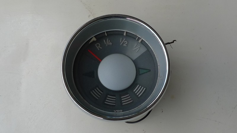 VW type 3 fuel gauge1