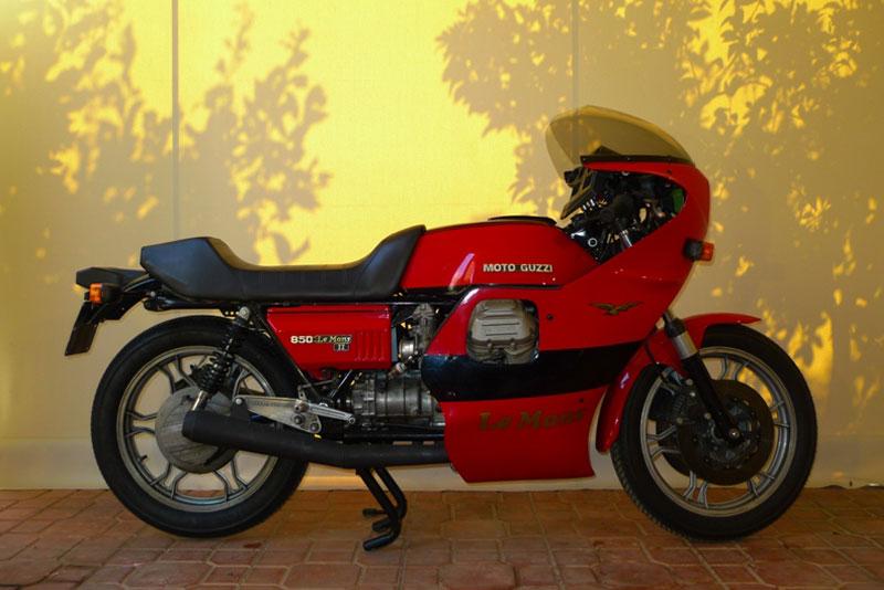 11 Motoguzzi 850LeMansII 1980