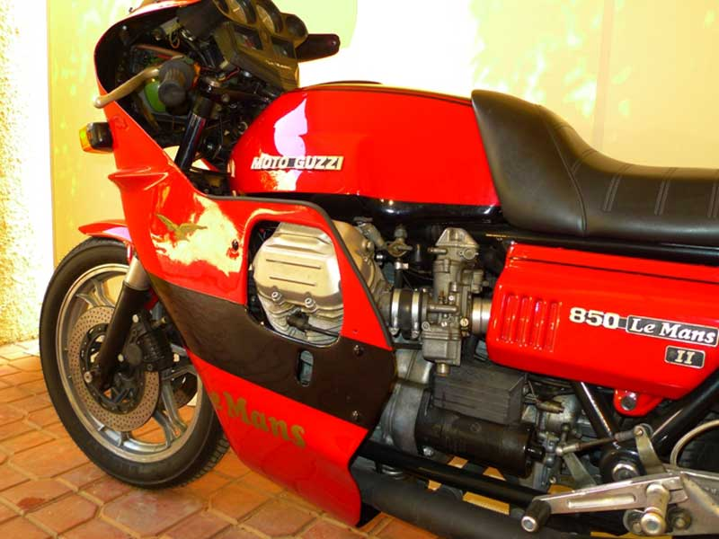 7 Motoguzzi 850LeMansII 1980