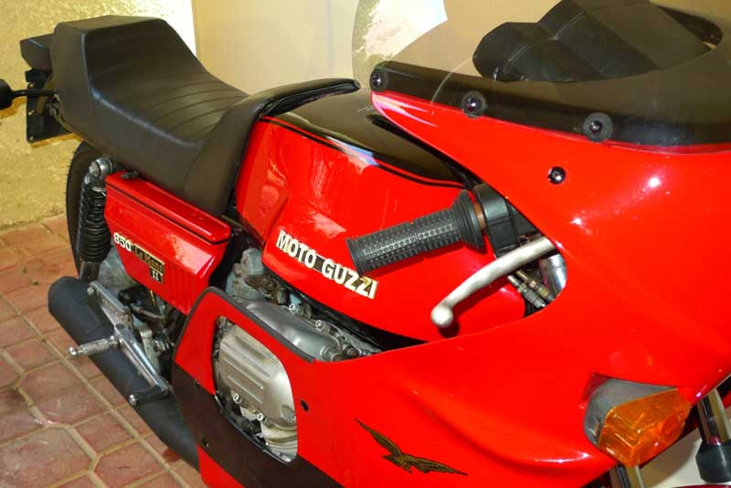 9 Motoguzzi 850LeMansII 1980