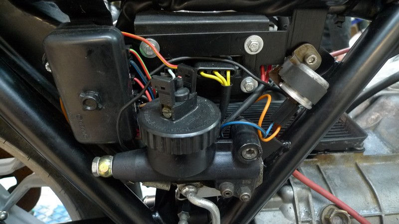 LM3 27 W