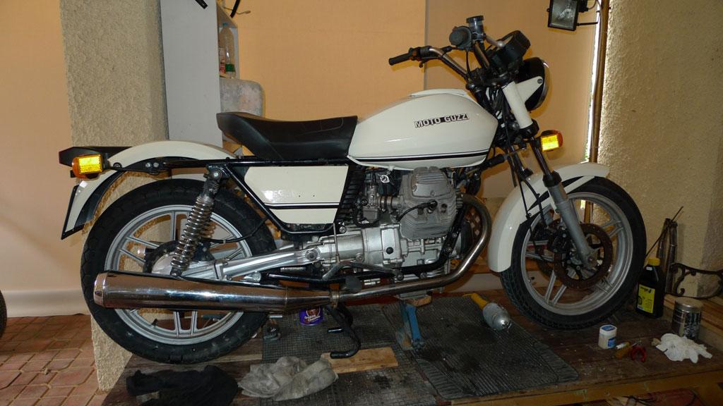 2 MotoguzziV65 Police